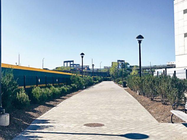 天景河滨步道开放 民众可饱览法拉盛溪